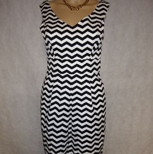 White House Black Market Dress Size 00 NWT